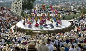 A show at a recent Guelaguetza at the Cerro de Fortin amphitheatre.