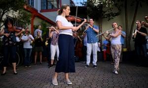 Opera Australia Orchestra musicians protesting