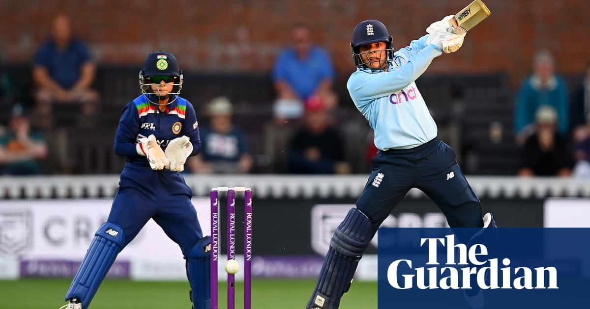 ODI newcomer Sophia Dunkley helps England to narrow win over India
