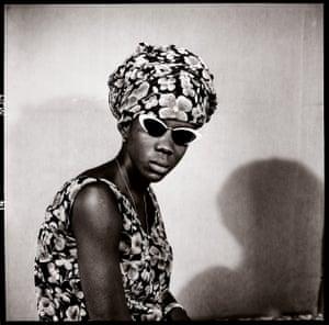 Mademoiselle Kadiatou Touré avec mes Verres Fumés, 1969