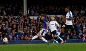 Everton's Nikola Vlasic scores their second goal.