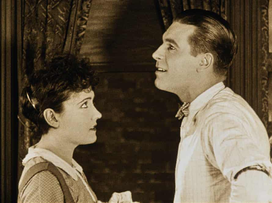 Dreamer … Swanson with Lawrence Gray in Stage Struck.