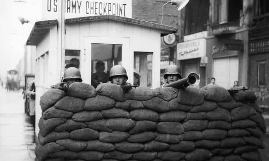 American soldiers At Checkpoint Charlie in December 1961