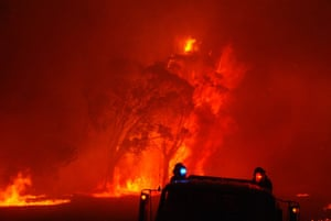 A Victoria bushfire rages.