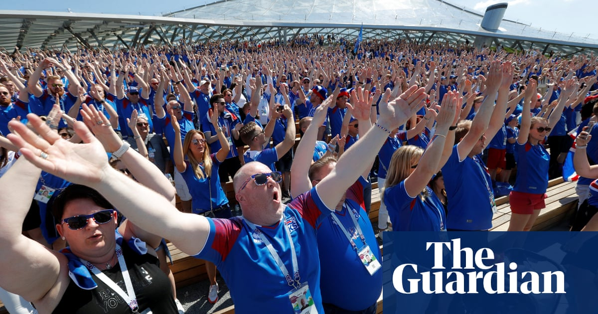 Iceland fans practise synchronised thunder clap ahead of Argentina match –  video  524a3fa8c