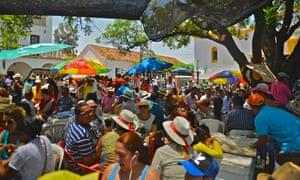 Crowds at Plaza Alfonso Lopez, Valledupar, Colombia.