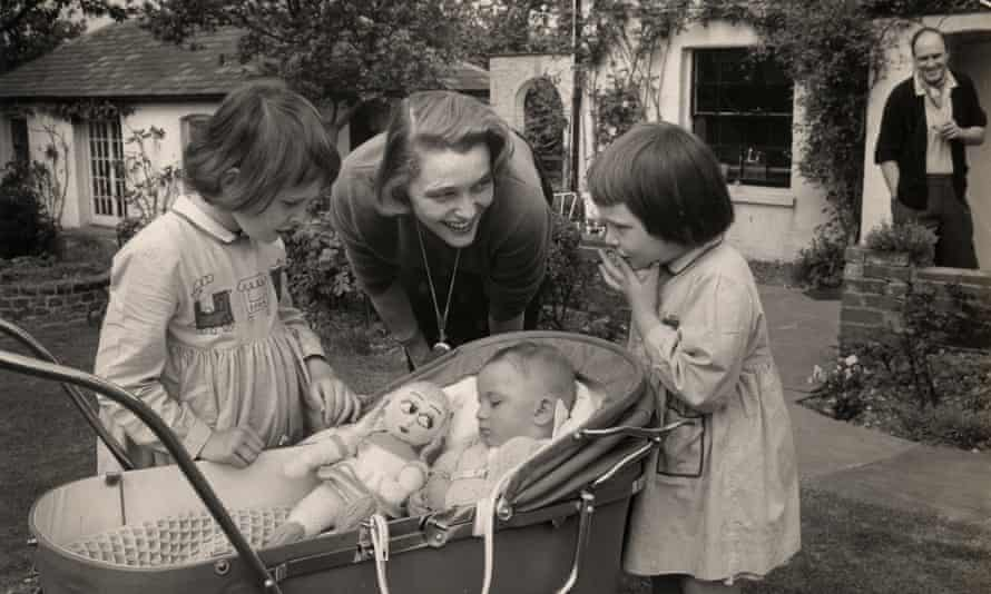 Theo convalescing with, from left, Olivia, Patricia, Tessa and Dahl
