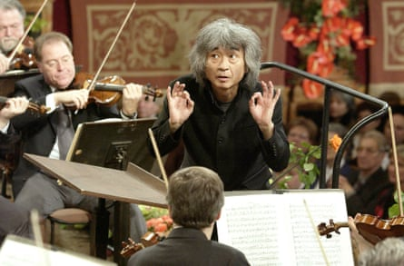 Seiji Ozawa conducts the Vienna Philharmonic Orchestra in 2002.