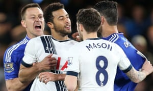 Mousa Dembélé and Diego Costa are pulled apart.