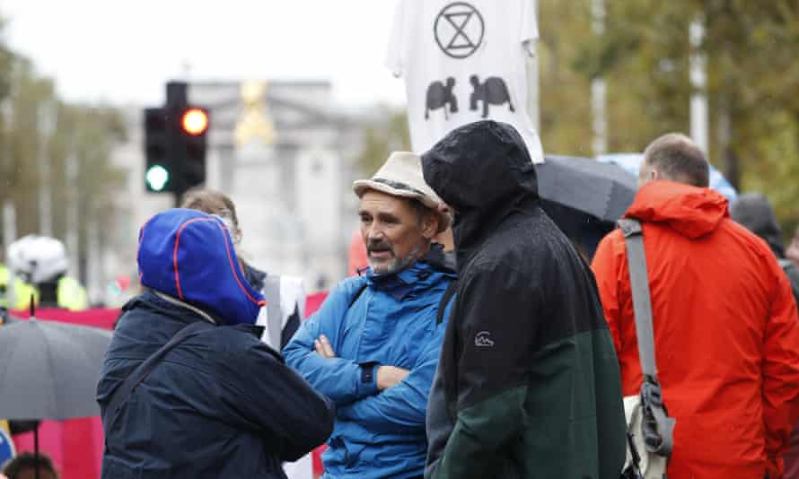 The actor Mark Rylance takes part in the climate demonstration in central London