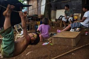 guarani children play