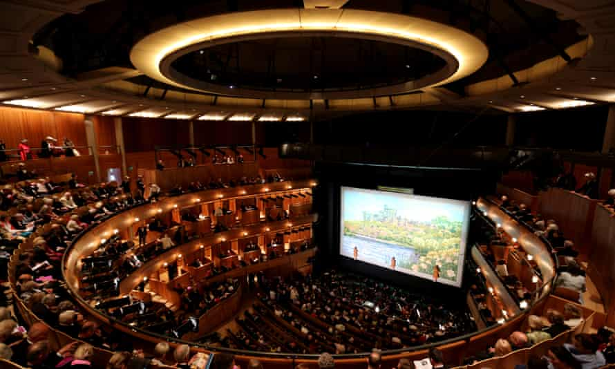 For the new opera house at Glyndebourne, Derek Sugden responded to Michael and Patty Hopkins' architecture as positively as they did to his quest for a warm, reverberant sound.