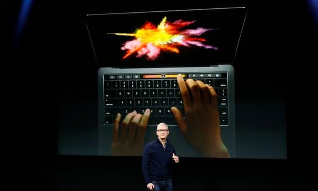 Resultado de imagen para macbook pro touch bar
