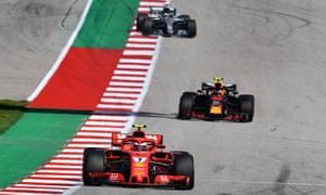 Lewis Hamilton behind Max Verstappen and Kimi Räikkönen at the US Grand Prix