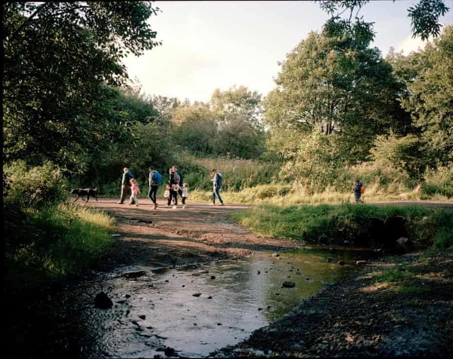 Kids with their dads, on the weekly Men Matter family walk in the countryside around Drumchapel.