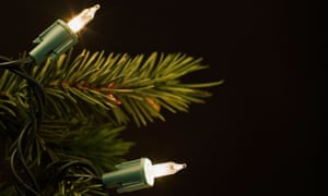 FOR USE IN WEEKEND MAGAZING - DEC 14TH ISSUE<br>AXRRK7 Christmas tree lights
