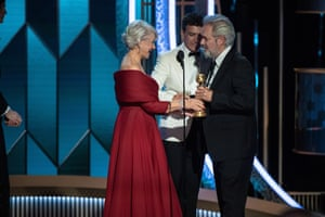 Sam Mendes accepting the award for best director from Helen Mirren and Antonio Banderas