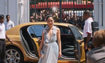 Luminous … Constance Wu as Rachel in Crazy Rich Asians.