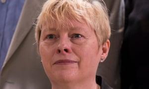 Angela Eagle urges Labour voters to vote remain.