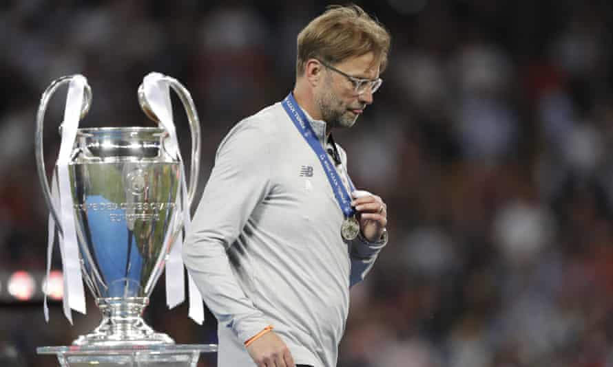 Jürgen Klopp received a runners-up medal after Liverpool lost the 2018 Champions League final