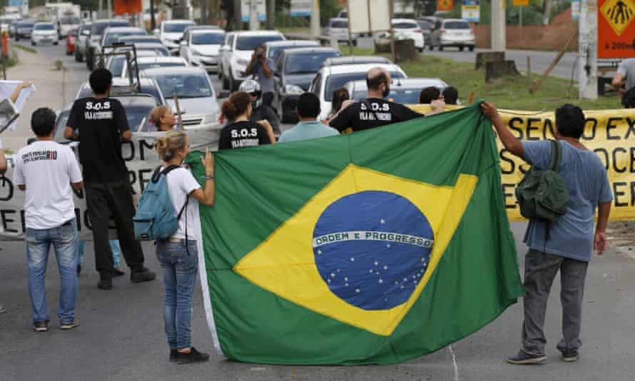 vila autodromo olympic protest