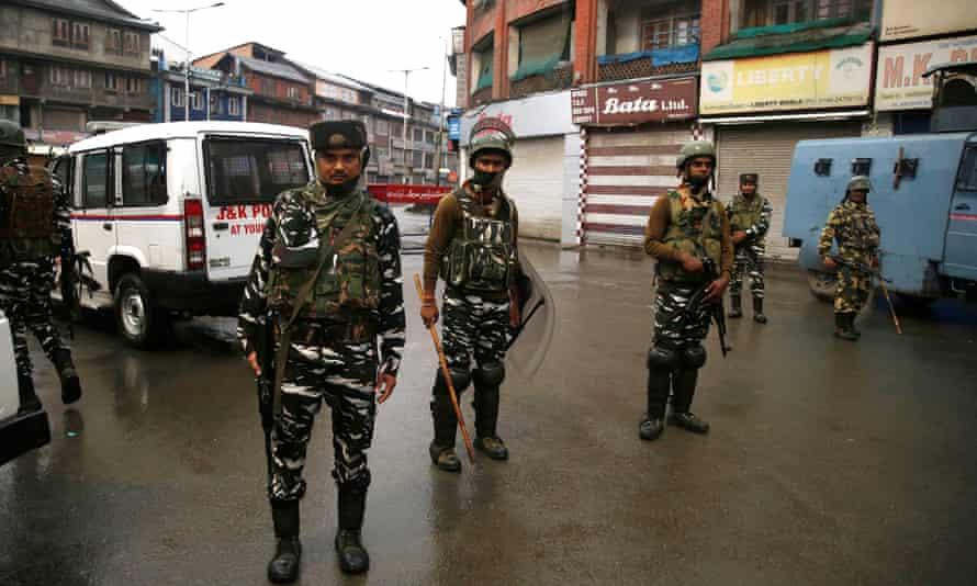 Indian soldiers in Srinagar, Kashmir