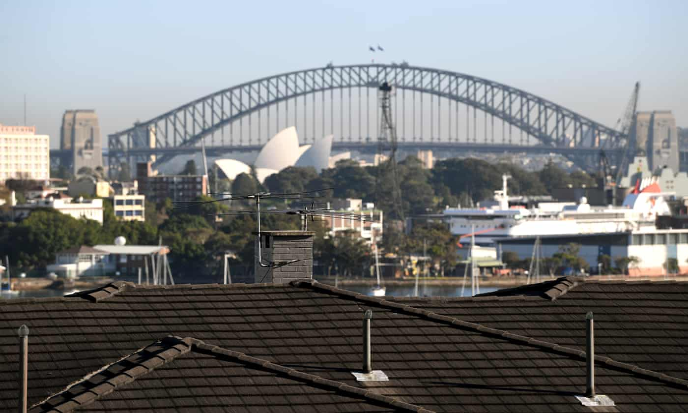 House price drop extends beyond Sydney and Melbourne as credit crunch bites