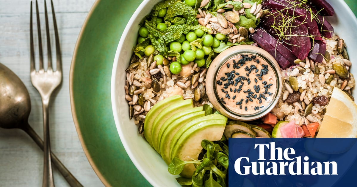 Summer health drive in England as 40% say they gained weight in lockdown