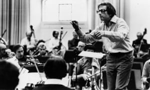 André Previn conducting the London Symphony Orchestra. He was its musical director from 1968 to 1979.