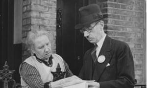 An enumerator explains the 1939 census