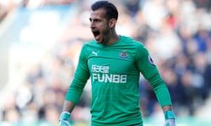 Martin Dubravka shows his frustration during Newcastle's home defeat to Leicester on Saturday.
