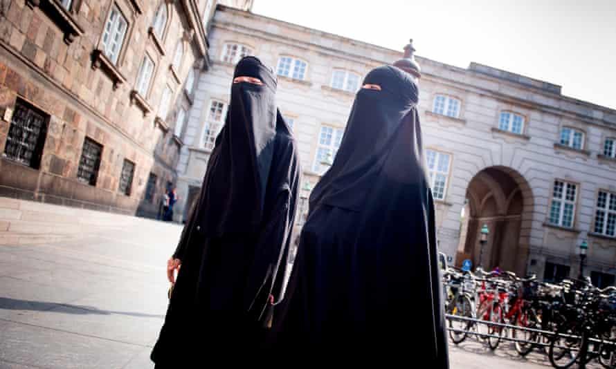 Women wearing niqabs outside the parliament in Copenhagen