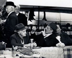Photo of farmers drinking at the festa