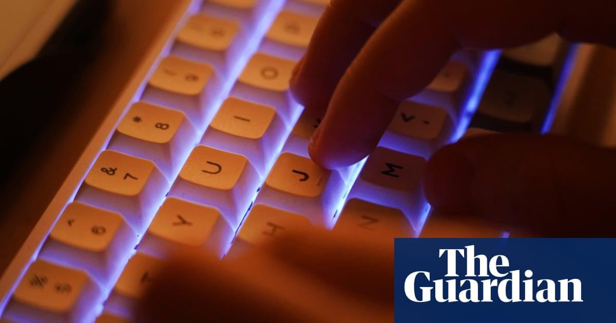 FBI hacks vulnerable US computers to fix malicious malware