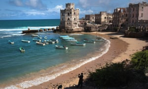 Some find it difficult to reconcile fond recollections of Mogadishu with modern images of ruined buildings.
