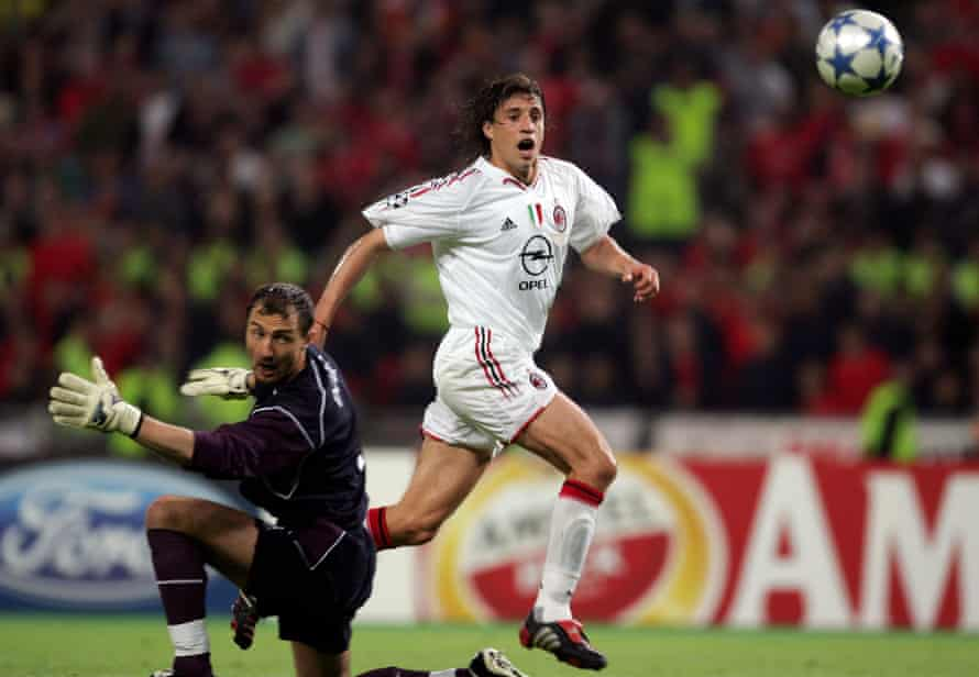 Hernán Crespo gives AC Milan a 3-0 lead against Liverpool in the 2005 Champions League final