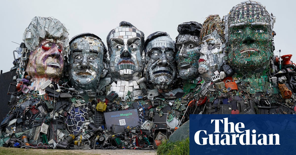 G7 leaders depicted in Mount Recyclemore e-waste sculpture