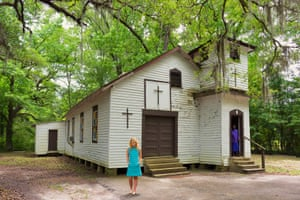 Matt Henry photograph of a church in Louisiana