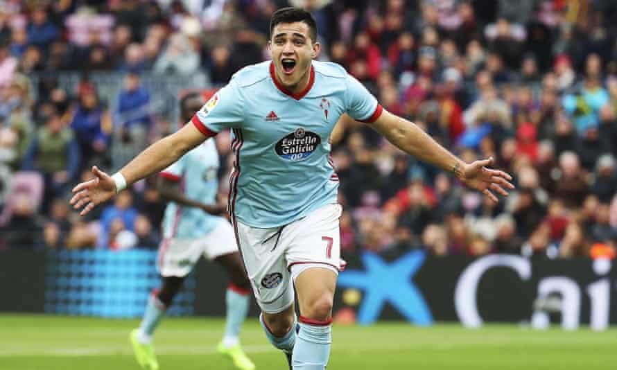 Maxi Gómez  celebrates scoring for Celta Vigo against Barcelona in December 2017