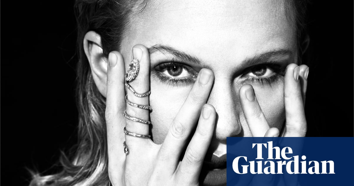 Blue Eyed Brits And Kanye Digs Decoding Taylor Swift S Reputation Taylor Swift The Guardian