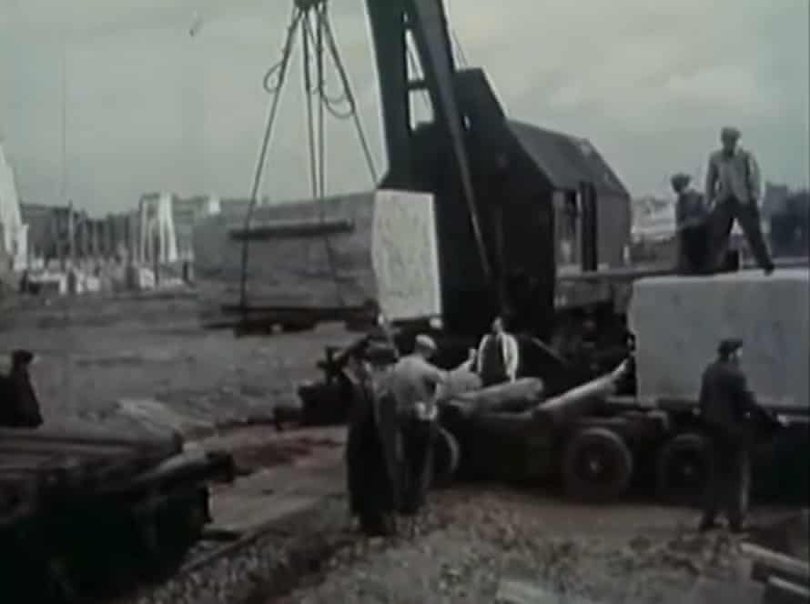 Installing the 'monument to love and friendship' in Prague in 1955.