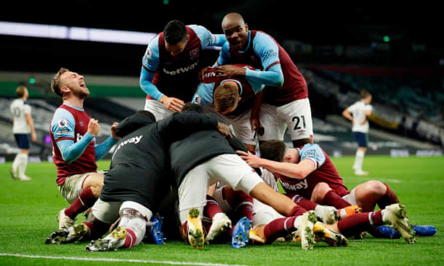 West Ham players celebrate after Manuel Lanzini's equaliser at Tottenham in October 2020