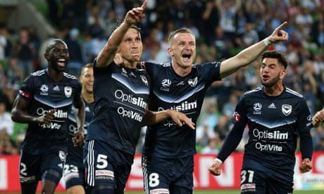 Late strike seals Melbourne derby win for Victory, Sydney smash Phoenix