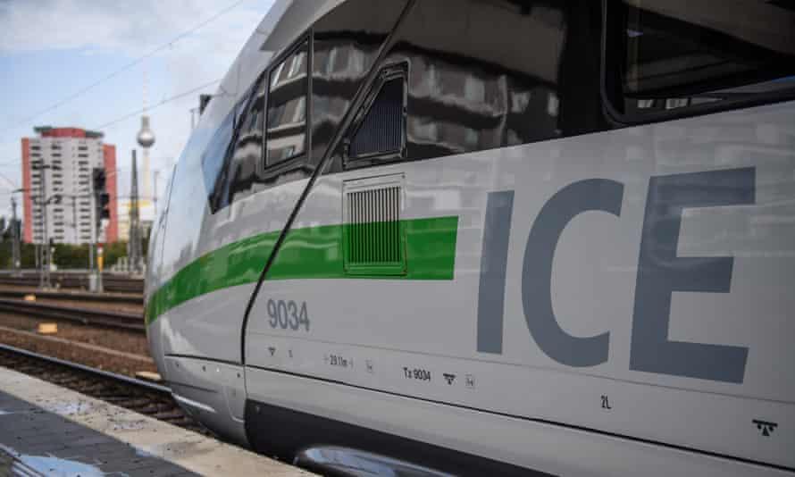 A Deutsche Bahn Intercity Express train