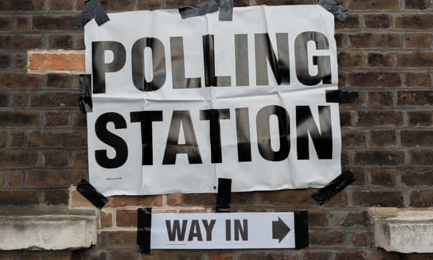 A polling analyst has predicted the Conservatives could benefit from a 'vaccine bounce'.