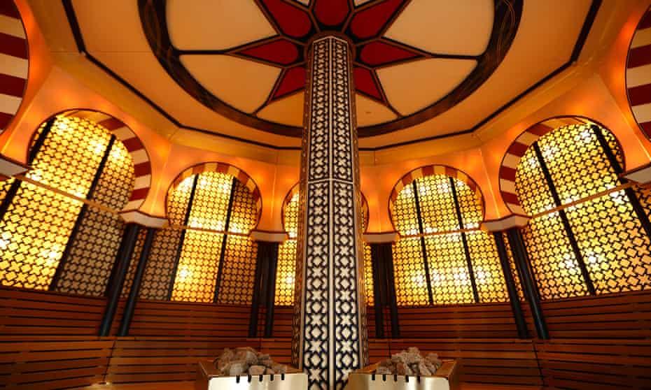 Sauna with moorish arches and decor