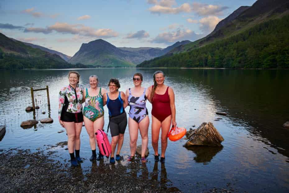 Gemma Whittham, Sophie Badrick, Wendy Mitchell, Alice Mitchell and Sara Barnes at Buttermere