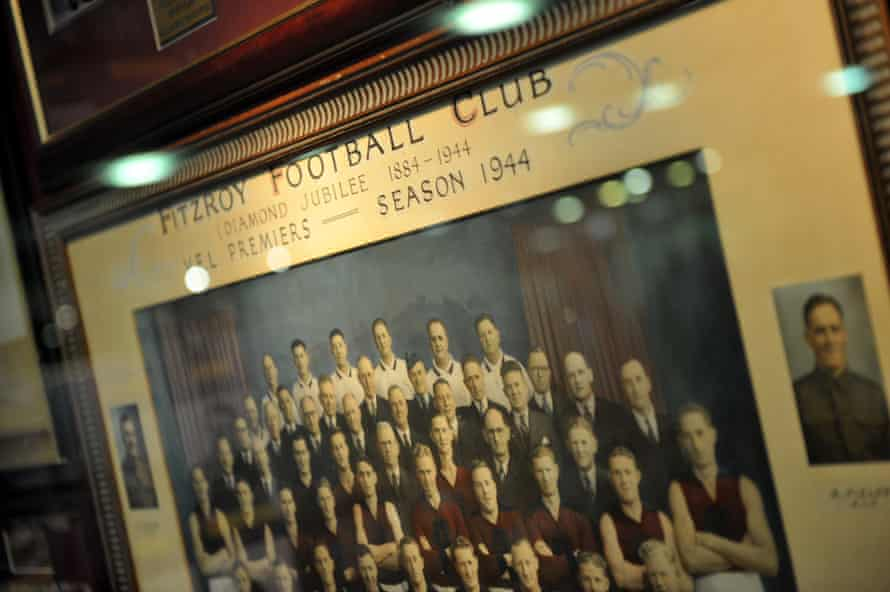 A 1944 Fitzroy football club premiership photo
