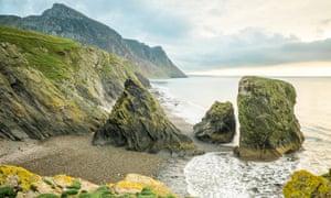 Ynys Fawr and  Yr Eifl beach, Trefor