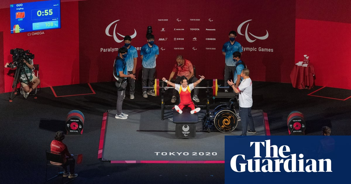 Power ballads and powerlifting: Newsom misses Paralympic hat-trick